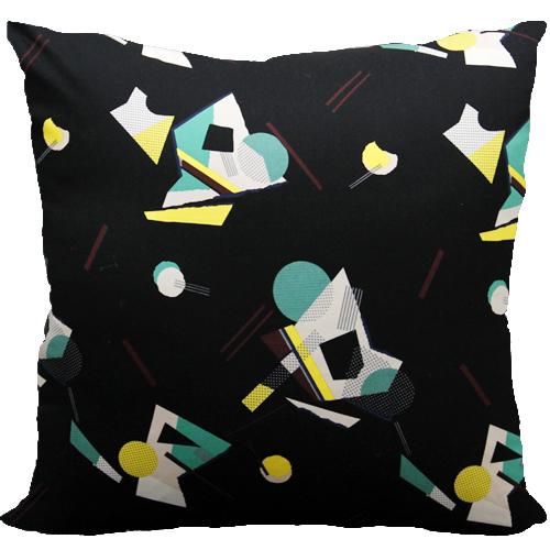 [Oi] 블랙컬러의 기하학 패턴 쿠션 스페이스 블랙 (space black)